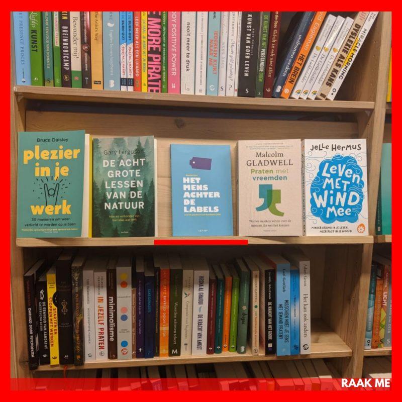 In de boekwinkel